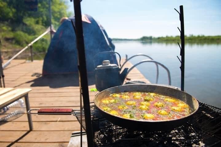 завтрак на плоту