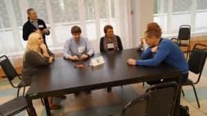 участники группы в деловой игре